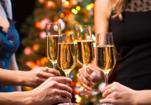 8 Tips to Throwing a Holiday Party
